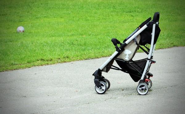 Come scegliere il primo passeggino giusto per il tuo bebè